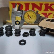 Coches a escala: DINKY RUEDAS RECAMBIO DINKY TOYS 28 UNIDADES NEGRAS NUEVAS!!!. Lote 215681203