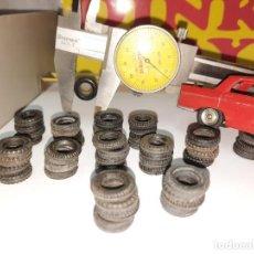 Coches a escala: DINKY RUEDAS RECAMBIO DINKY TOYS 48 UNIDADES NEGRAS NUEVAS!!!. Lote 215681781