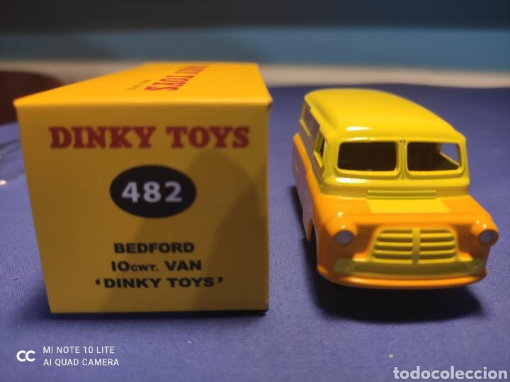 Coches a escala: DINKY TOYS ATLAS BEDFORD VAN DINKY TOYS 1/43, REEDICIÓN. NUEVO Y EN CAJA - Foto 2 - 218833363