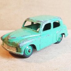 Carros em escala: HILLMAN MINX DE DINKY, 1955.. Lote 227212526