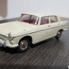 Coches a escala: PEUGEOT 404 DINKY TOYS. Lote 229837030