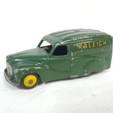 Coches a escala: AUSTIN RALEIGH DE DINKY. 1953.. Lote 235466590