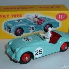 Voitures à l'échelle: DINKY TOY CAR REF 111 TRIUMPH TR2 SPORTS NUEVO EN CAJA ORIGINAL - METALICO. Lote 265181589