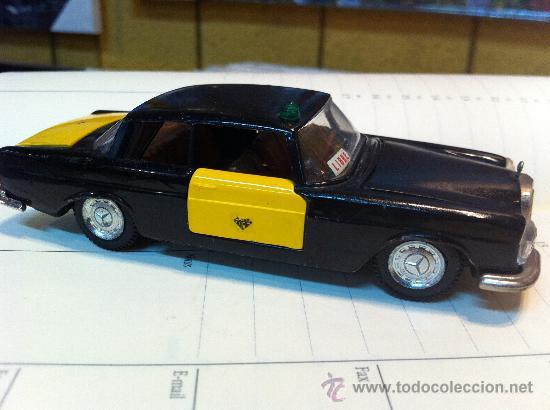 Coches a escala: MERCEDES 250 Coupe TAXI de BARCELONA de AUTO PILEN. - Foto 4 - 32972383