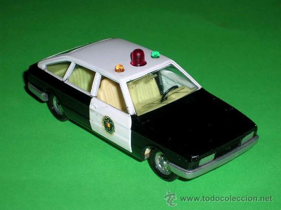 Coches a escala: Chrysler 150 policía, fabricado en metal, escala 1/43, Pilen. Original años 70. Excelente. - Foto 5 - 36648441