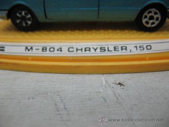 Coches a escala: Pilen - Coche M-804 Chrysler 150 fabricado en España - Escala 1:43 - Foto 2 - 37050811