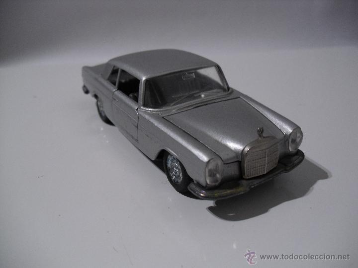 Coches a escala: Auto Pilen , Mercedes 250 coupe,Esc 1/43 - Foto 2 - 40704213