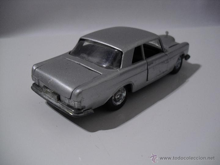 Coches a escala: Auto Pilen , Mercedes 250 coupe,Esc 1/43 - Foto 3 - 40704213