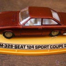 Coches a escala: 1/43 PILEN M 329 - SEAT 124 SPORT COUPE CON CAJA. Lote 43486527