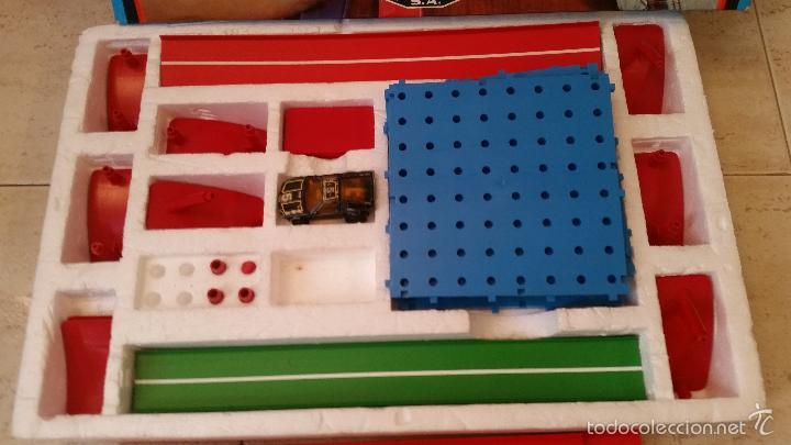 Coches a escala: ANTIGUO JUGUETE PISTA PILEN COCHE COCHES LOOPING CON MAJORETTE MOTOR - Foto 2 - 59711411