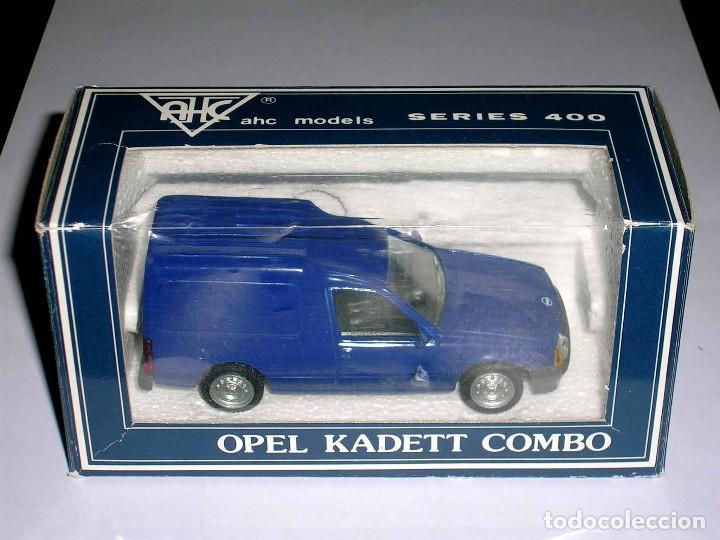 Coches a escala: Opel Kadett Kombo furgoneta, metal esc. 1/43, AHC Pilen, original año 1991. A estrenar - Foto 2 - 64516115