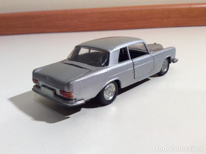 Coches a escala: Mercedes 250 Coupe Pilen - Foto 4 - 76787363