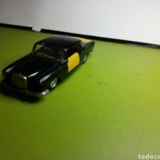 Model Cars - MERCEDES 250 COUPE PILEN TAXI BARCELONA - 79556457
