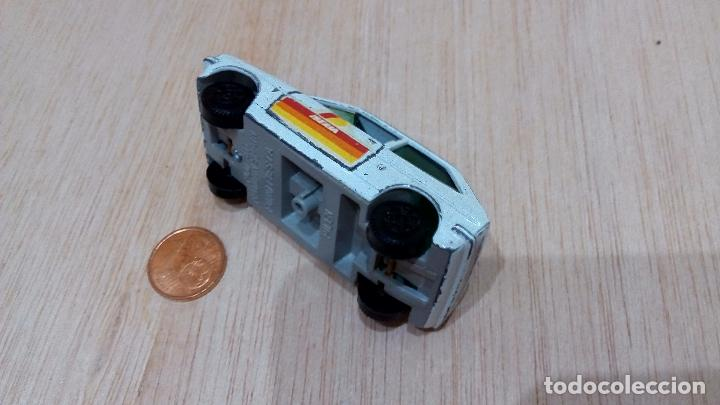 Coches a escala: Pilen, Ford Fiesta Iberia blanco modelo 811 - Foto 2 - 97912339