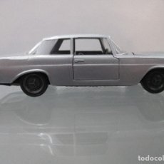 Coches a escala: MERCES 250 COUPE AUTO PILEN ESCALA 1/43. Lote 112641479