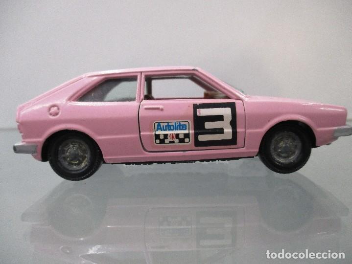 VW SCIROCCO COLOR ROSA PILEN ESCALA 1/43 (Juguetes - Coches a Escala 1:43 Pilen)