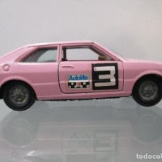 Coches a escala: VW SCIROCCO COLOR ROSA PILEN ESCALA 1/43. Lote 112643203