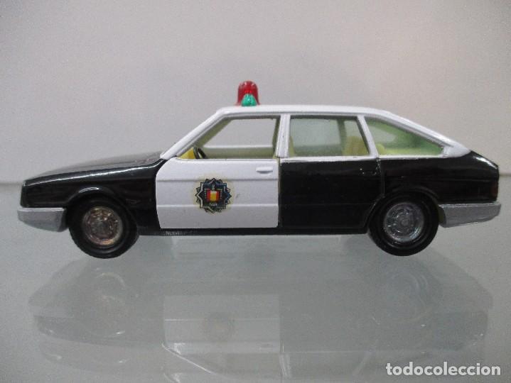 Coches a escala: TALBOT 150 POLICIA PILEN PILEN ESCALA 1/43 - Foto 2 - 112648867
