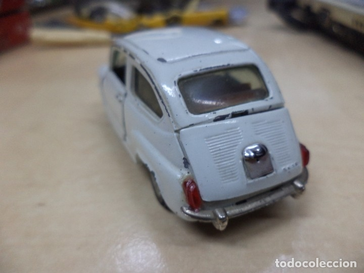 Coches a escala: Pilen.Auto Pilen.Seat 600 primera serie años 70.Con faltas. - Foto 3 - 153043829