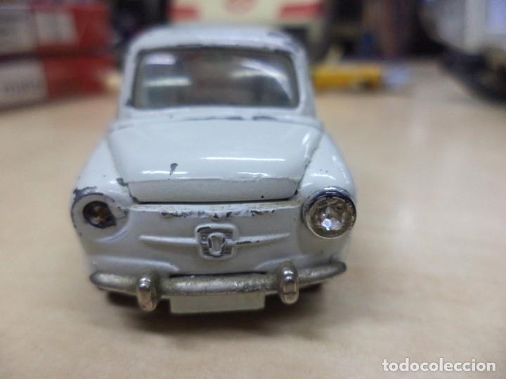 Coches a escala: Pilen.Auto Pilen.Seat 600 primera serie años 70.Con faltas. - Foto 6 - 153043829