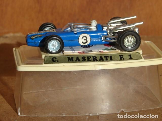 F1 MASERATI Nº 3 CON CATÁLOGO - PILEN (Spielzeug - Modellautos im Maßstab 1:43 Pilen)