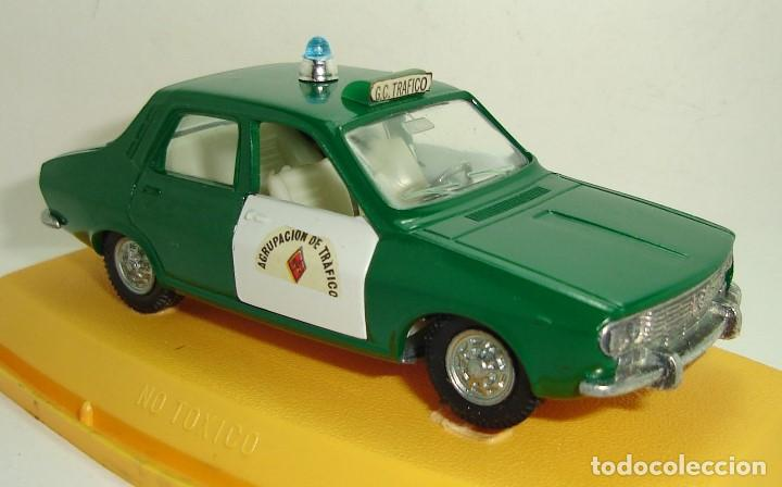 Coches a escala: ANTIGUO RENAULT 12 GUARDIA CIVIL AGRUPACION DE TRAFICO PILEN ESCALA 1:43 - Foto 5 - 147450150