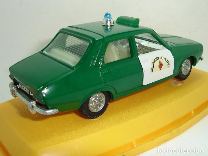Coches a escala: ANTIGUO RENAULT 12 GUARDIA CIVIL AGRUPACION DE TRAFICO PILEN ESCALA 1:43 - Foto 6 - 147450150