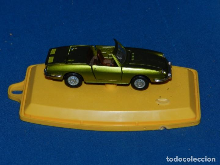 Coches a escala: (M) PILEN - M317 SEAT 850 SPIDER CON CAJA, SEÑALES DE USO NORMALES - Foto 2 - 150223950