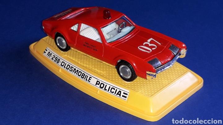 Coches a escala: Oldsmobile Toronado bomberos Fire Chief, metal, esc. 1/43, Pilen made in Spain, original años 70-80. - Foto 6 - 167756892