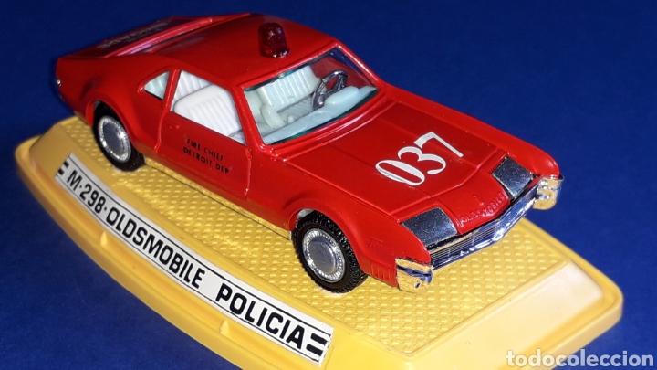 Coches a escala: Oldsmobile Toronado bomberos Fire Chief, metal, esc. 1/43, Pilen made in Spain, original años 70-80. - Foto 7 - 167756892