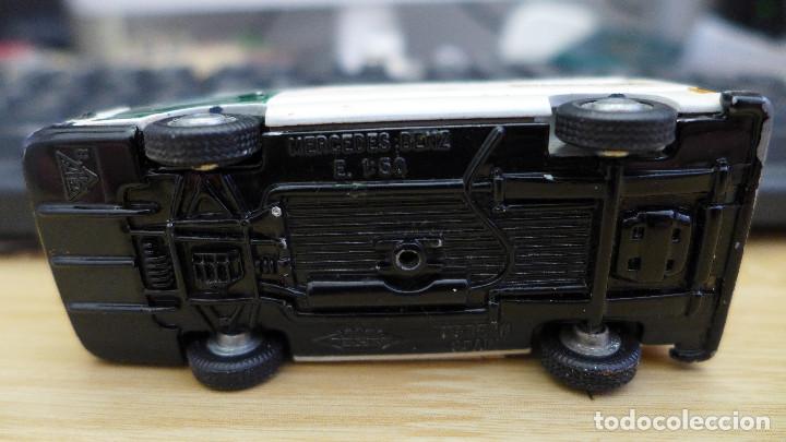 Coches a escala: FURGON MERCEDES BENZ MB140 DE PILEN TRANSPORTE CELULAR DE LA GUARDIA CIVIL - Foto 9 - 169438388
