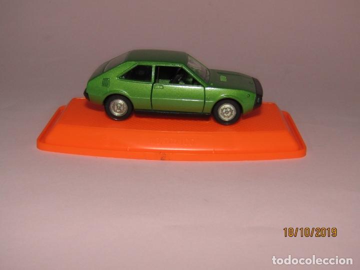 Coches a escala: Antiguo SEAT 1200 en Escala 1/43 de PILEN Nuevo a Estrenar y en Caja Original - Año 1970s. - Foto 4 - 180258762
