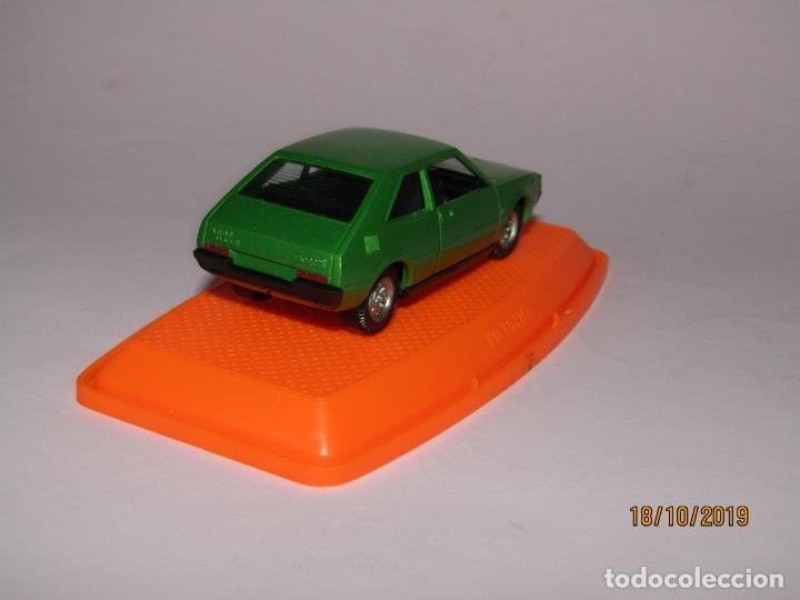 Coches a escala: Antiguo SEAT 1200 en Escala 1/43 de PILEN Nuevo a Estrenar y en Caja Original - Año 1970s. - Foto 5 - 180258762