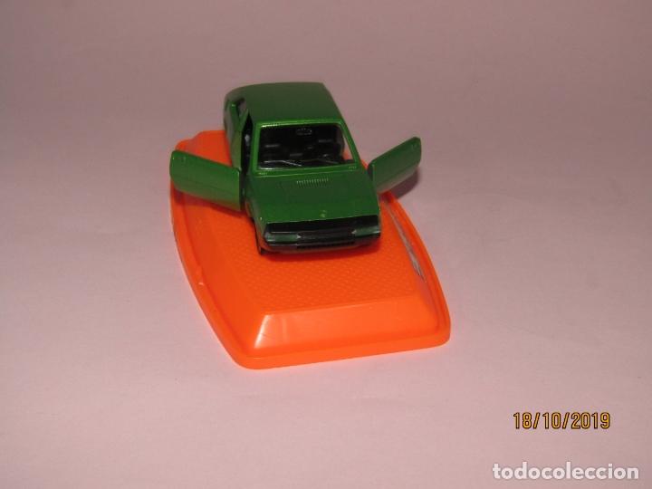 Coches a escala: Antiguo SEAT 1200 en Escala 1/43 de PILEN Nuevo a Estrenar y en Caja Original - Año 1970s. - Foto 6 - 180258762