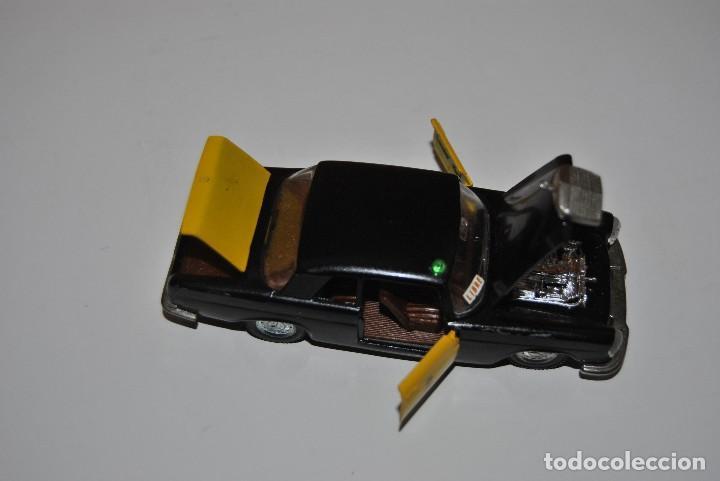 Coches a escala: MERCEDES TAXI M-297 PERFECTO - Foto 6 - 198330331