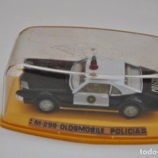 Coches a escala: OLDSMOBILE POLICIA PILEN M 298. Lote 206120580