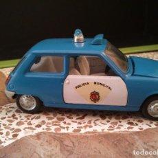Coches a escala: RENAULT 5 POLICIA PILEN 1/43 NUEVO SIN CAJA NUNCA JUGADO. Lote 228989435