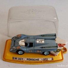 Auto in scala: PORSCHE 917 CON MINI CATALOGO PILEN. Lote 261251385