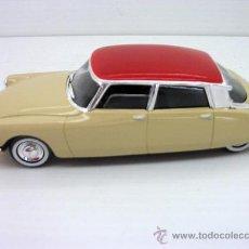 Carros em escala: COCHE METAL 1 43 CITROEN DS TIBURON SOLIDO METAL MODEL CAR. Lote 209988461