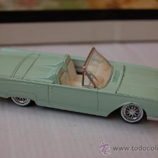 Coches a escala: 31-139. COCHE FORD THUNDERBIRD 1961. ESCALA 1/43. SOLIDO. Lote 28108668