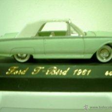 Coches a escala: FORD THUNDERBIRD 1961 DE SOLIDO SERIE AGE DOR. Lote 41076768