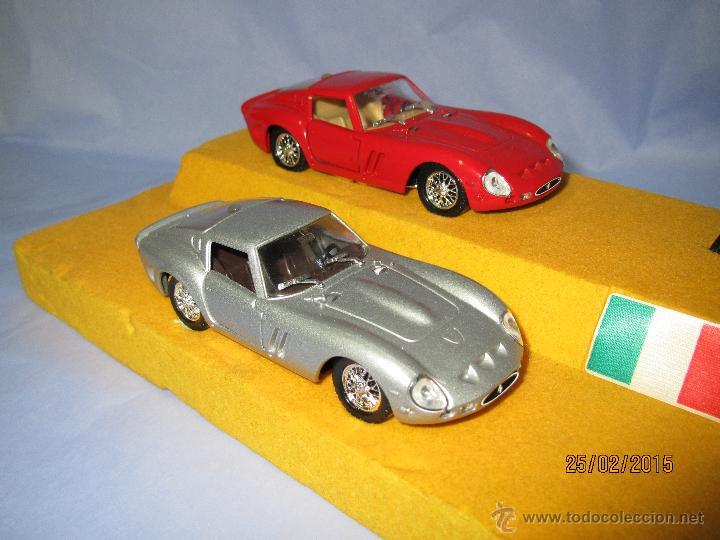 Coches a escala: Peana con Pareja de FERRARI 250 GTO Tour Auto 1963-64 en Escala 1/43 - Año 1980s. - Foto 8 - 47945657