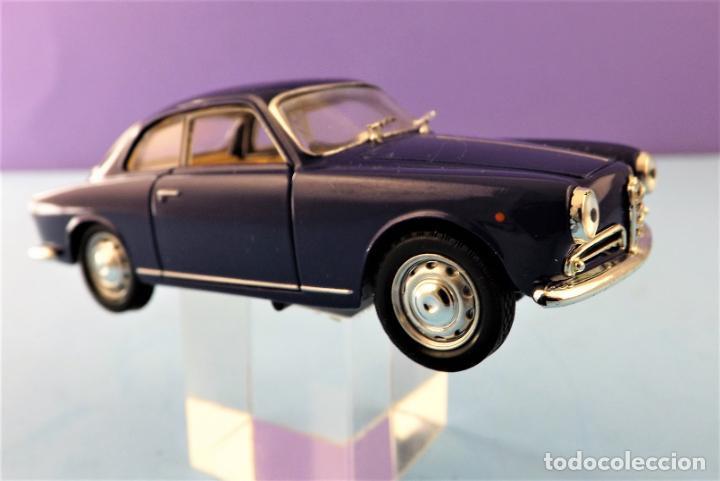 Coches a escala: Solido Alfa Romeo Guilietta de 1957 Colección Altaya - Foto 2 - 151068678