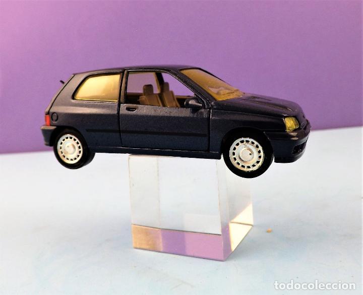 Coches a escala: Solido Renault Clio Colección Altaya - Foto 2 - 151084630