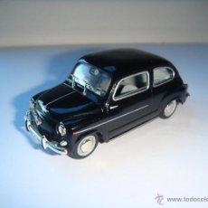 Coches a escala: SEAT 600 D EJERCITO DE TIERRA DE 1969 DE SOLIDO, COLECCION SEAT 600, MUY BUEN ESTADO - FLA. Lote 173637040