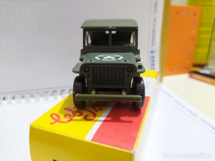 Coches a escala: Jeep willis sólido 1:43 con caja original nuevo - Foto 2 - 178574937