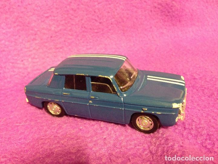 Coches a escala: Renault 8 solido .Made in France.1998. 1/43 - Foto 2 - 189436175