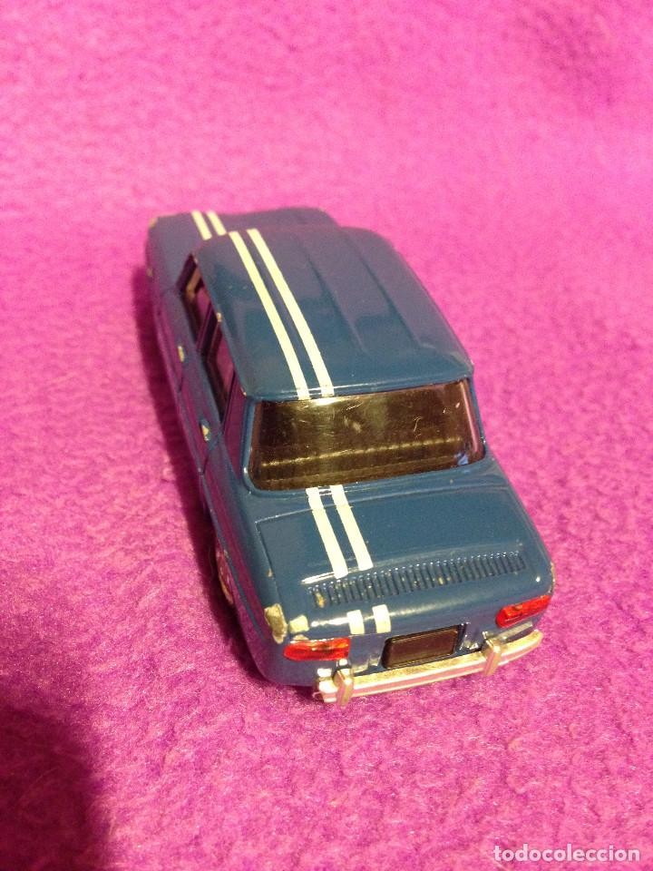 Coches a escala: Renault 8 solido .Made in France.1998. 1/43 - Foto 4 - 189436175