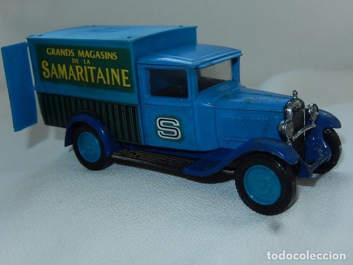 Coches a escala: Citroen C4F 1950. Samaritaine. Ref. 4409. Solido. Francia Años 1970 / 80. - Foto 3 - 194120516