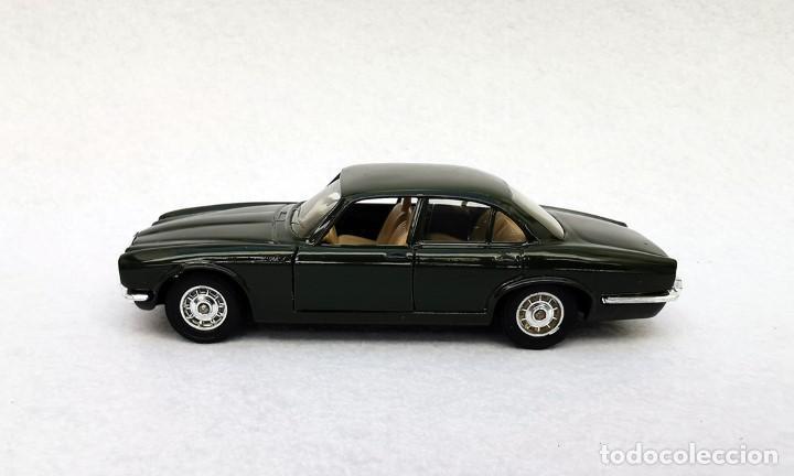 Coches a escala: Jaguar XJ 12 de la colección Coches Inolvidables, Solido (Salvat), año 2001, escala 1/43 - Foto 3 - 195873585